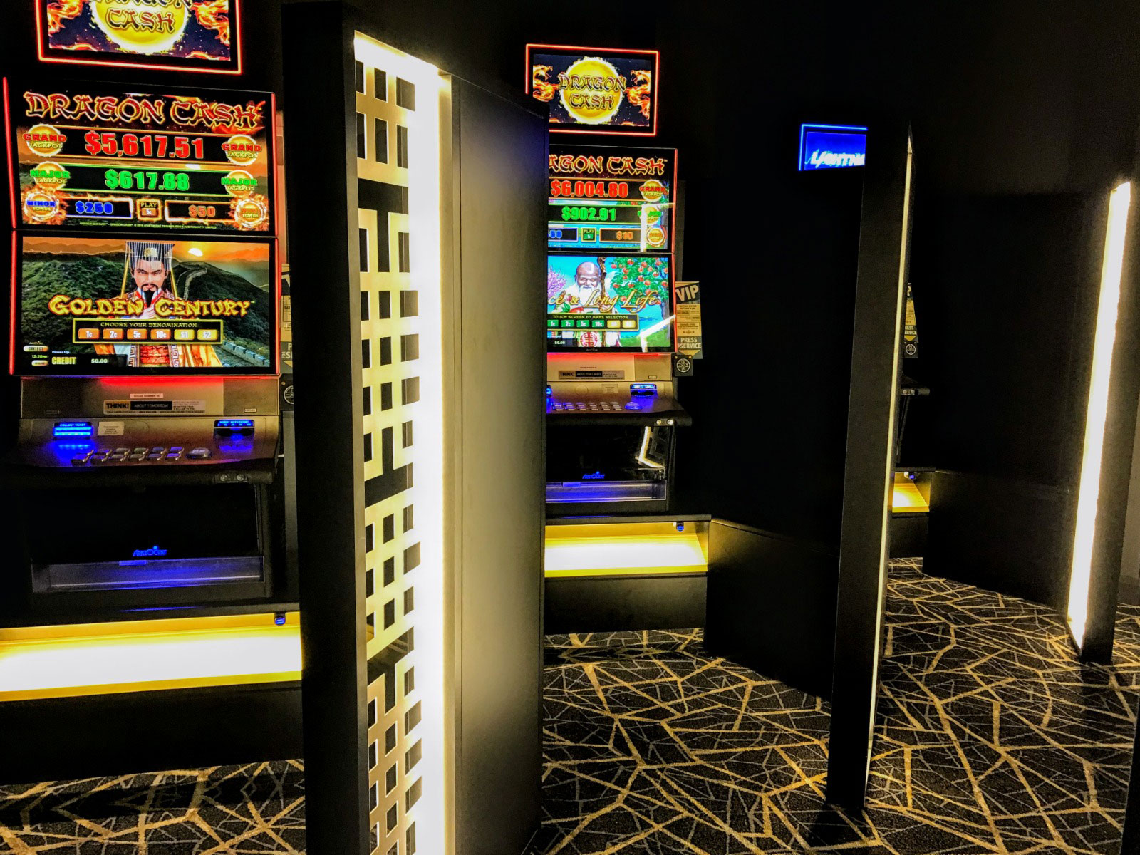 Commonwealth Hotel Newcastle Gaming Room Screens and bases